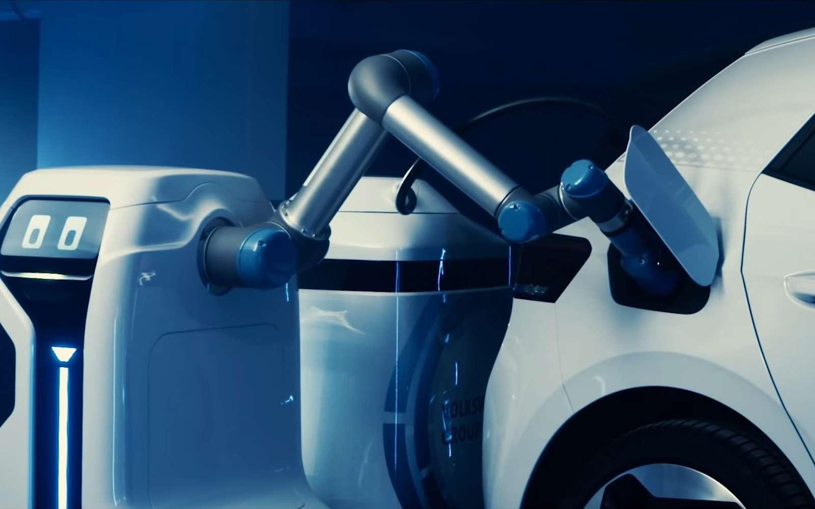 Volkswagen a présenté un prototype de robot autonome pour charger les voitures électriques. © Volkswagen