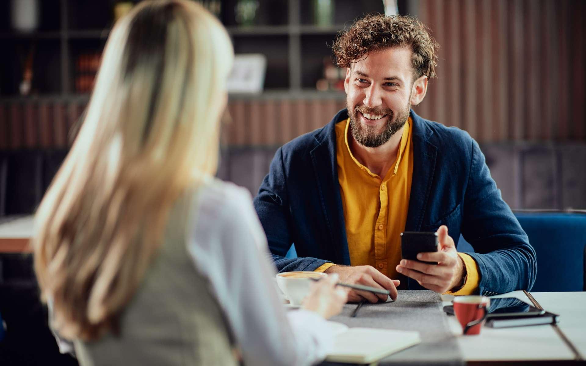 Le portage salarial vous permet d'exercer votre métier en toute autonomie, tout en bénéficiant notamment des avantages liés au statut de salarié. © Chica_milan, Adobe Stock