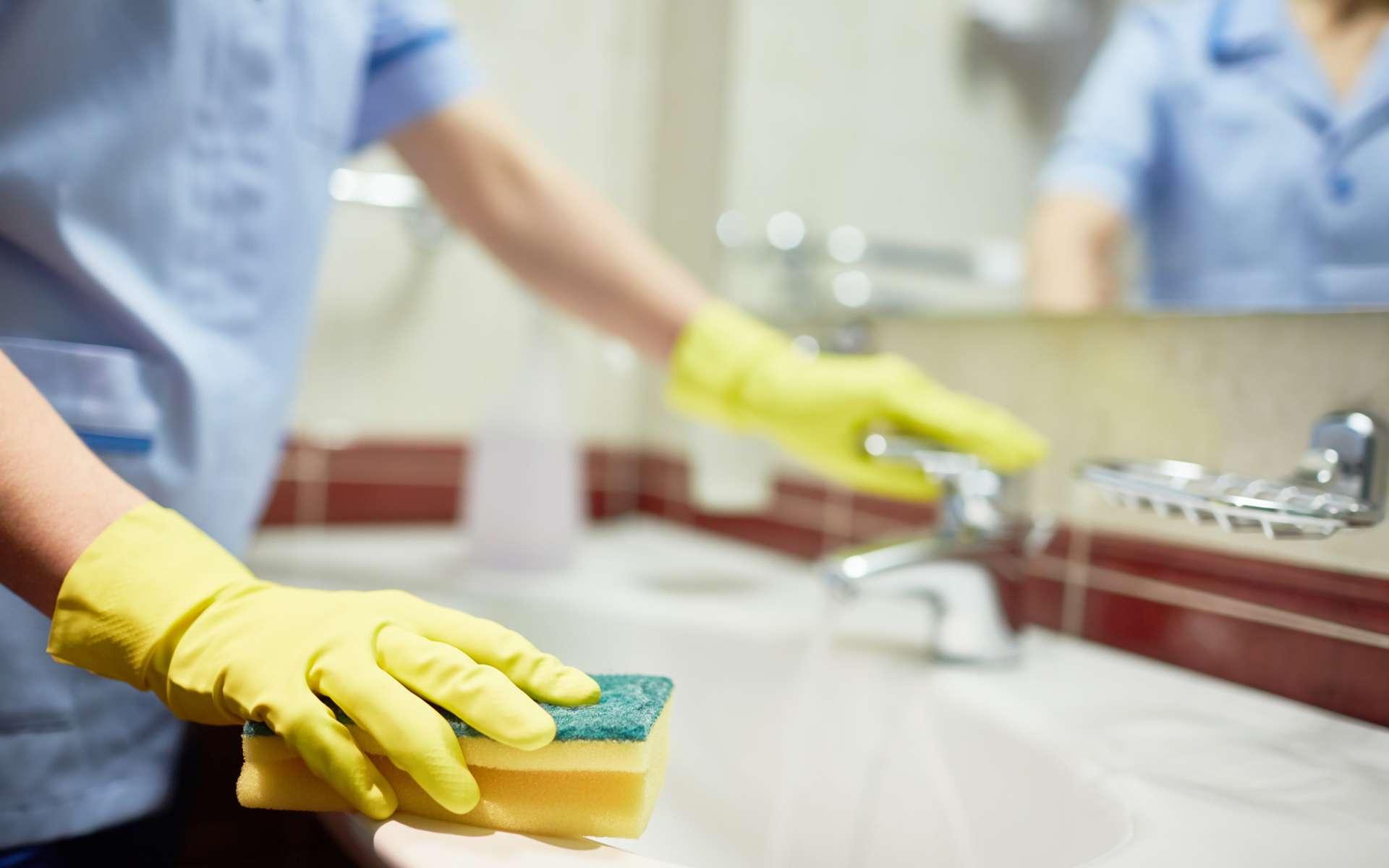 La stricte application des règles d'hygiène © shironosov, IStock.com