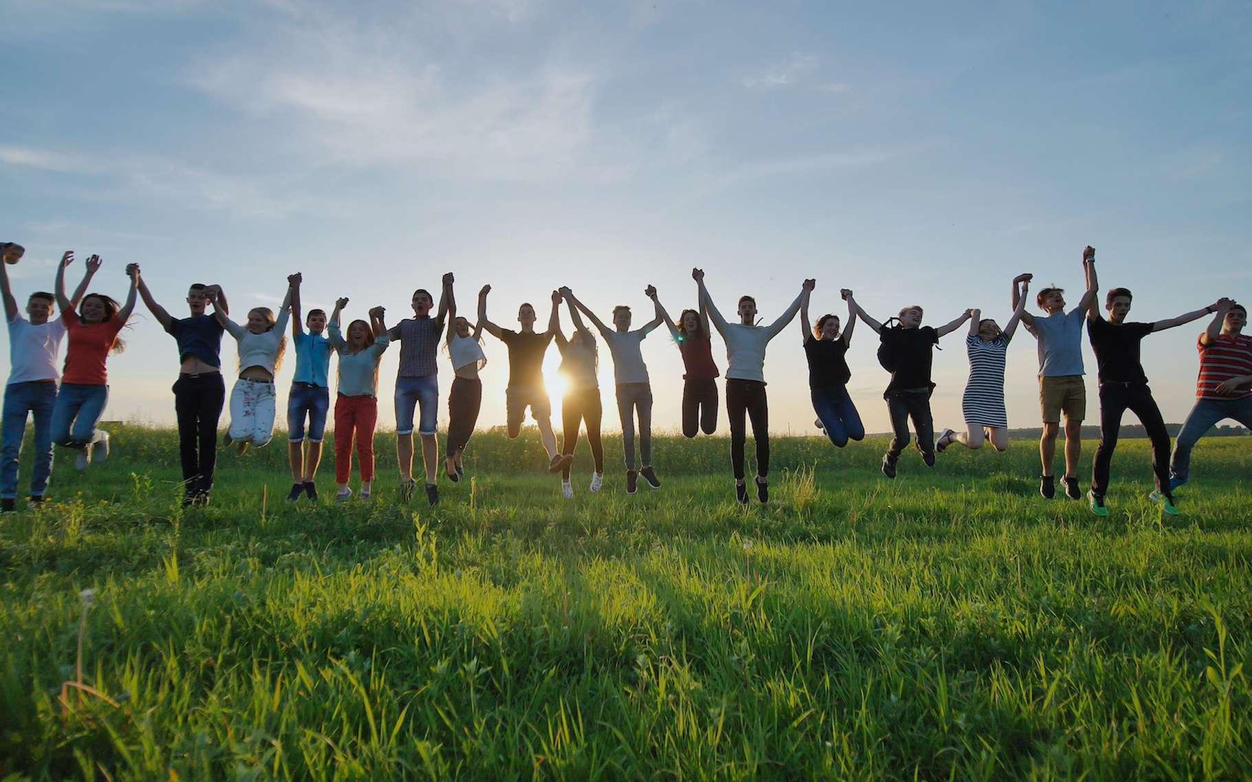 « Agir rend heureux. » Une belle philosophie qui fait le slogan de la Fondation GoodPlanet, portée par le photographe Yann Arthus-Bertrand. Une philosophie validée par plusieurs études scientifiques. © Довидович Михаил, Adobe Stock