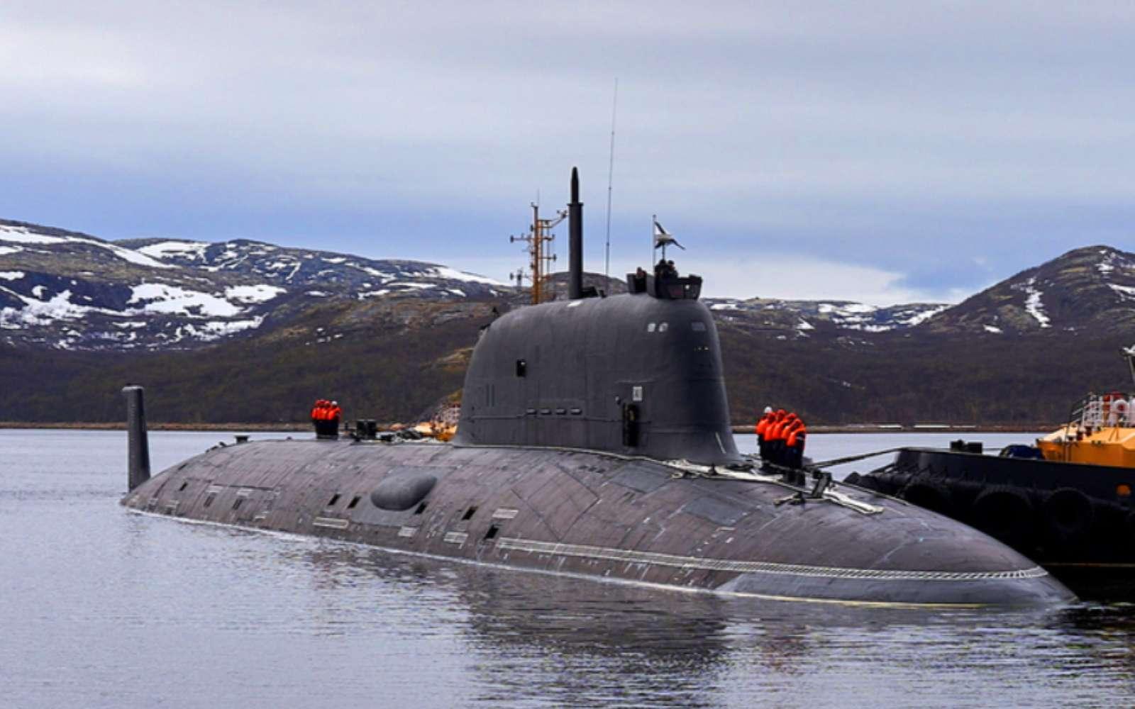 D'une longueur de 130 mètres, le Kazan vient d'intégrer la marine russe. Il est doté d'une force de frappe inquiétante en raison de sa capacité à embarquer un armement hypersonique. © Mil.ru