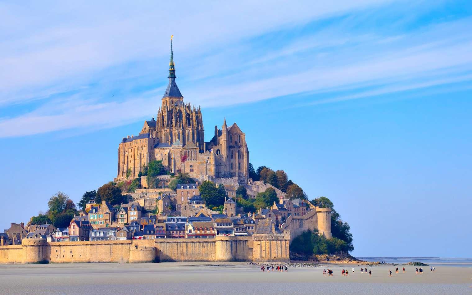 Il est possible de se rendre au Mont-Saint-Michel par tous les moyens de transport habituels. © aterrom, fotolia