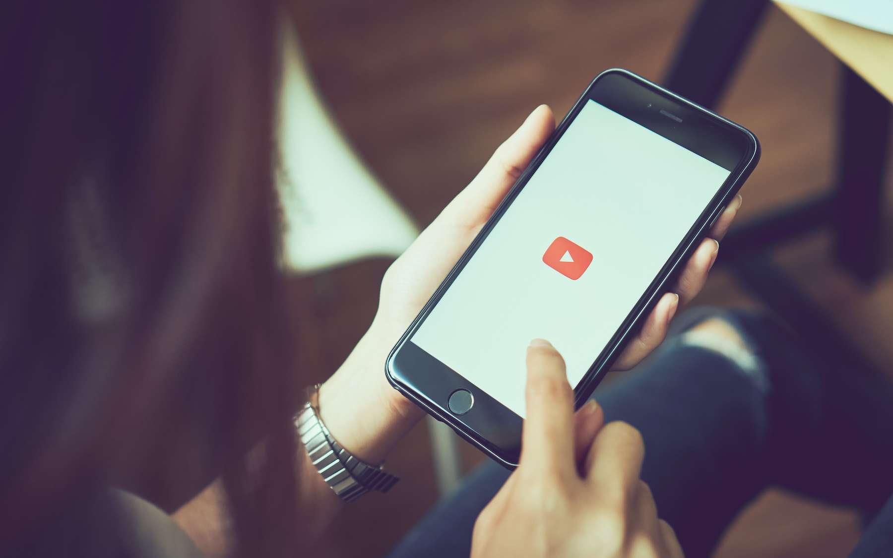 Enregistrer l'écran de son iPhone. © sitthiphong, Adobe Stock