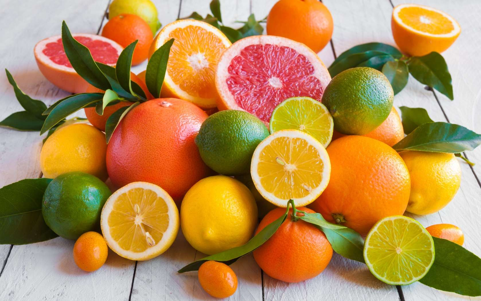 Les agrumes sont riches en vitamine C, un antioxydant. © Maresol, Fotolia