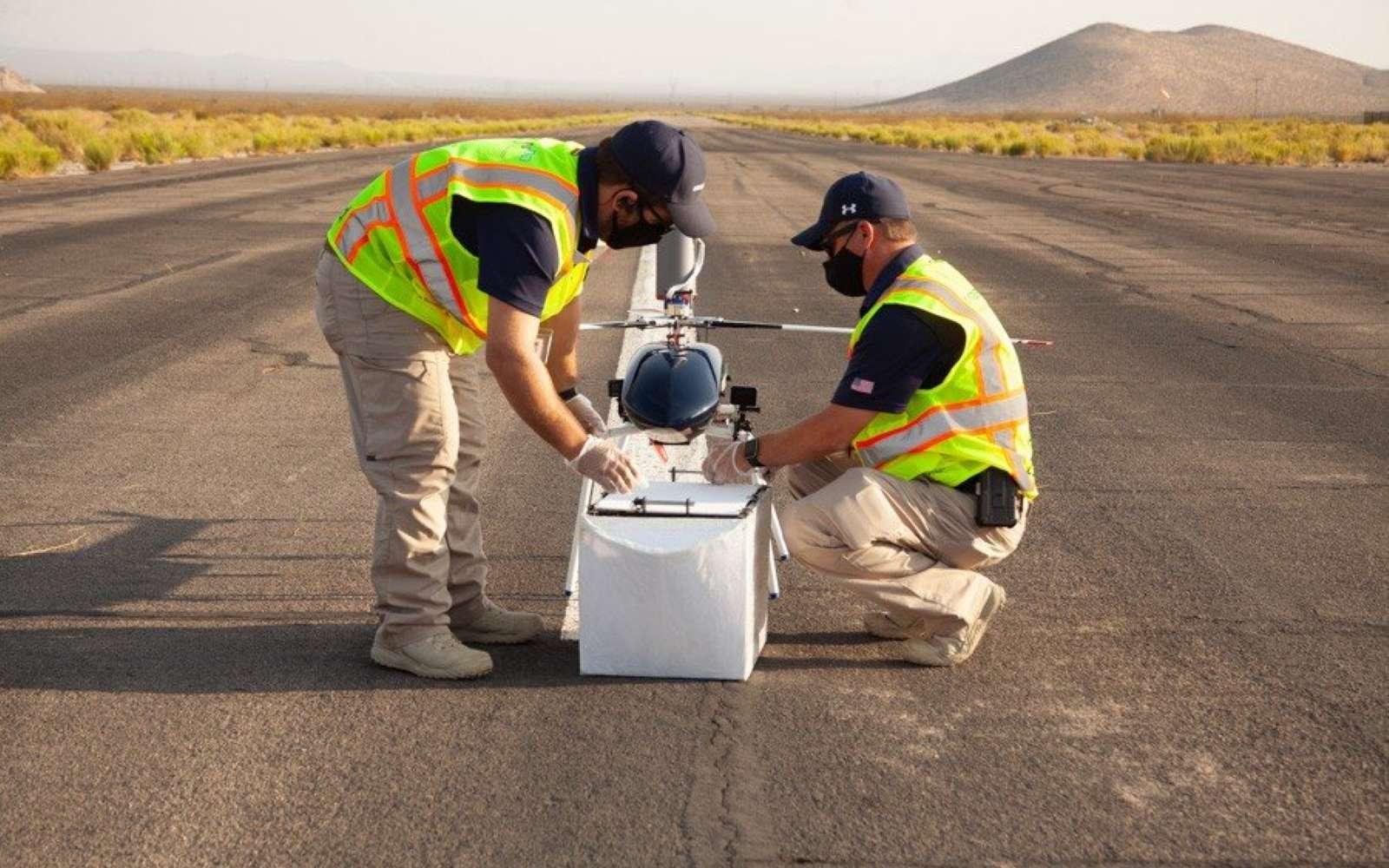 Le drone de livraison de MissionGO en préparation pour le vol d'essai. © MissionGO