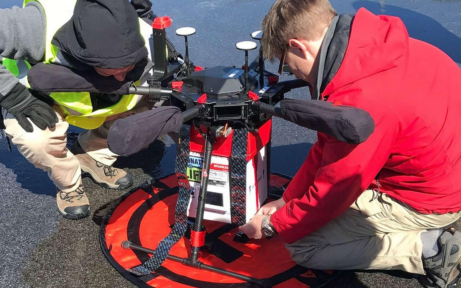 Le drone équipé pour le transport d'organes mis au point par le docteur, Joseph Scalea, du Centre Médical de l'université du Maryland. © Joseph Scalea