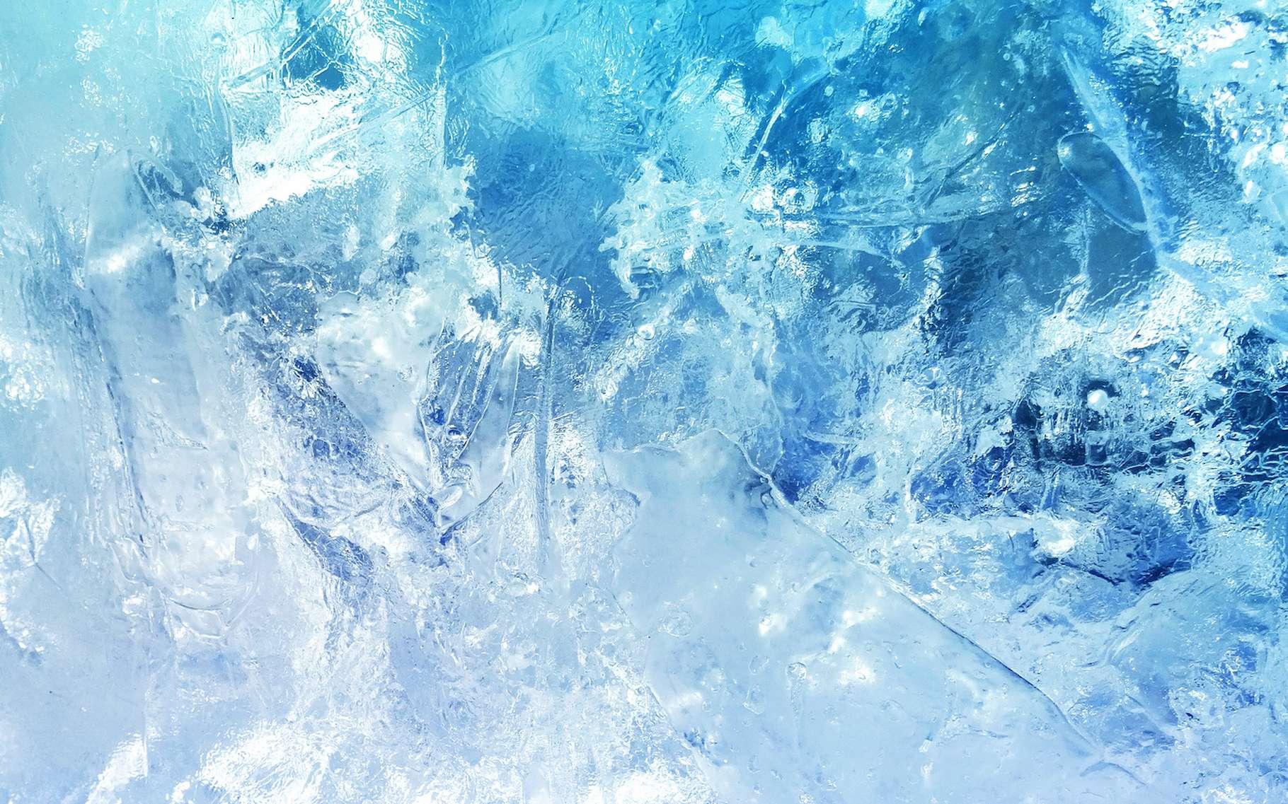 Des chercheurs ont mesuré la plus petite goutte d'eau capable de former de la glace stable. Elle ne contient pas plus de 90 molécules. © slay19, Adobe Stock