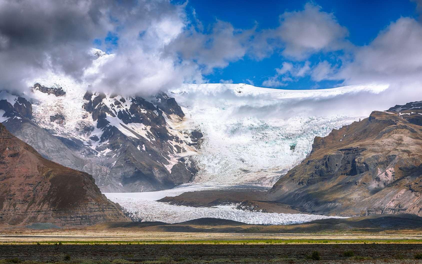 Les neiges de l'Arctique et des Alpes contiennent des microplastiques. © pilat666, Fotolia