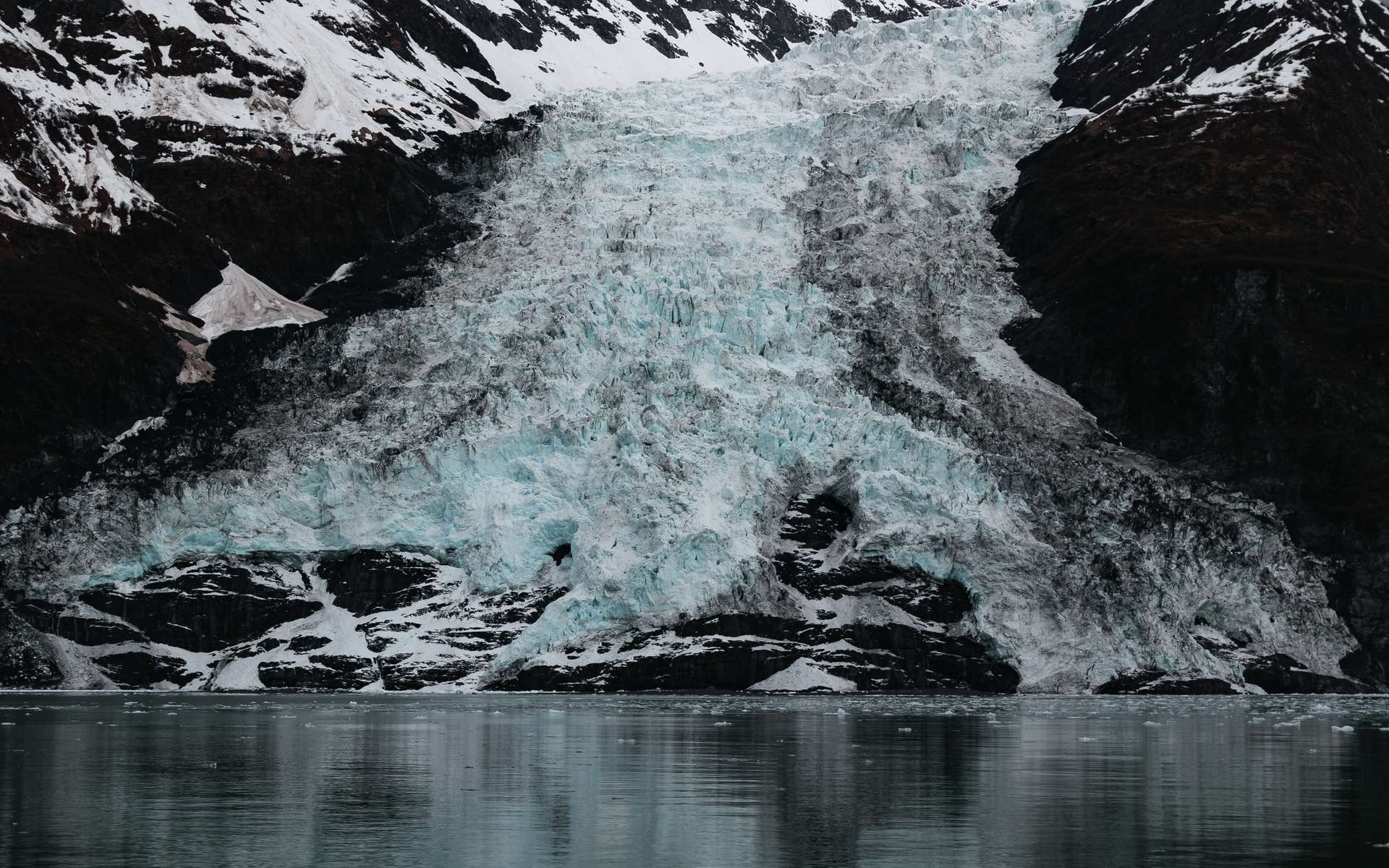 Un glacier de la baie du Prince William en Alaska. © Paul, Adobe Stock