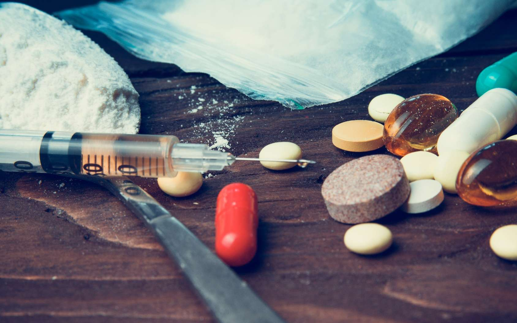 Pourquoi certaines personnes basculent-elles vers une consommation compulsive de drogues et pas d'autres ? © Stanislau_V, Fotolia