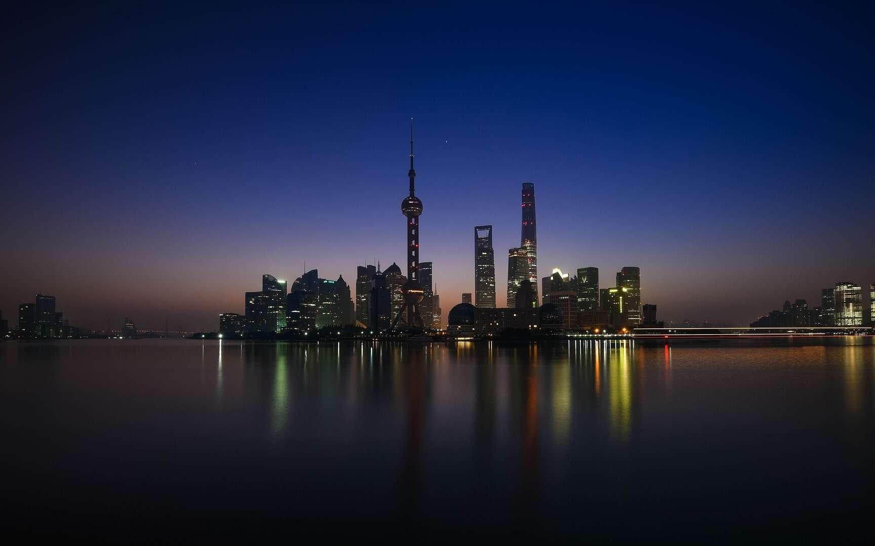 Vue de nuit de Shanghai. © 756Crystal, Pixabay, DP
