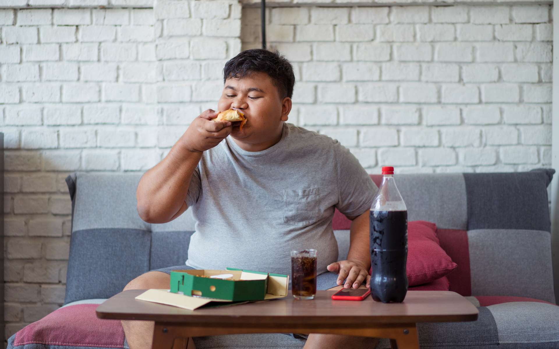 Les calories vides présentes dans les aliments ultratransformés causent le double fardeau de la malnutrition dans le monde. © torwaiphoto, Adobe Stock
