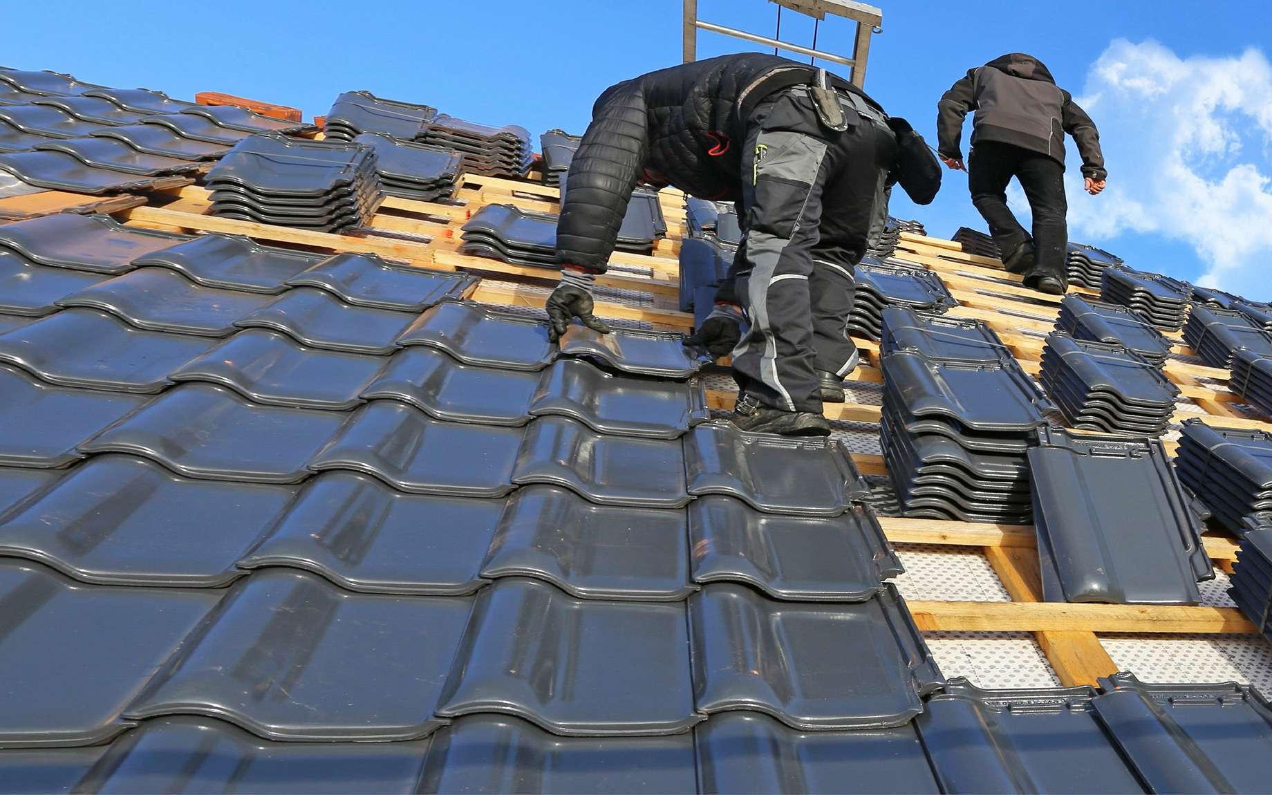 Travaux de pose d'une toiture neuve © U.J.Alexander, AdobeStock