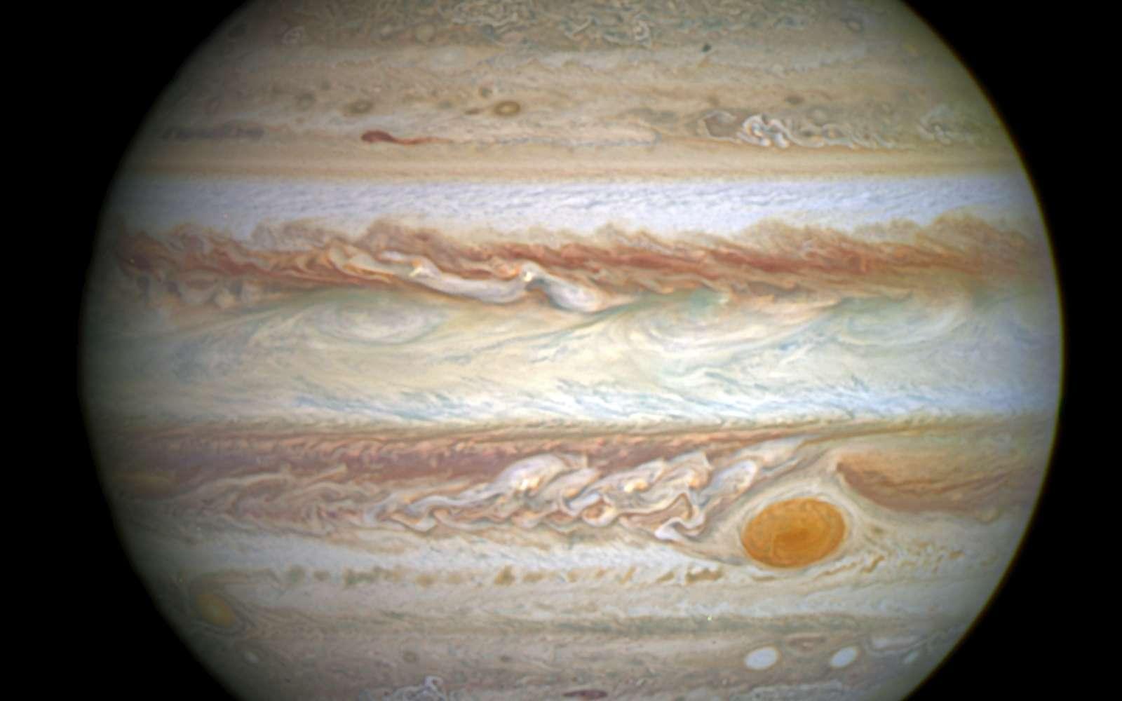 Le buzz du mois : Jupiter, photographiée ici par Hubble le 21 avril 2014, aurait naguère expulsé une planète, géante qui plus est. © Nasa, Esa, A. Simon (Goddard Space Flight Center)
