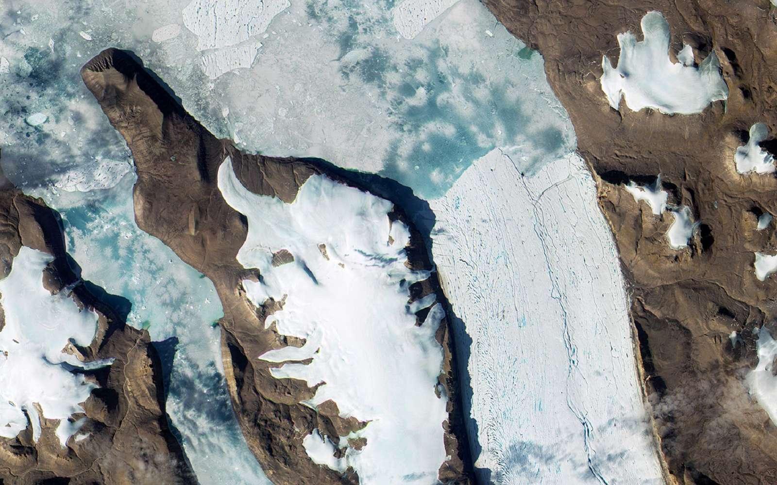 Les glaciers du monde ont perdu plus de 9.000 milliards de tonnes de glace en un demi-siècle. © ESA