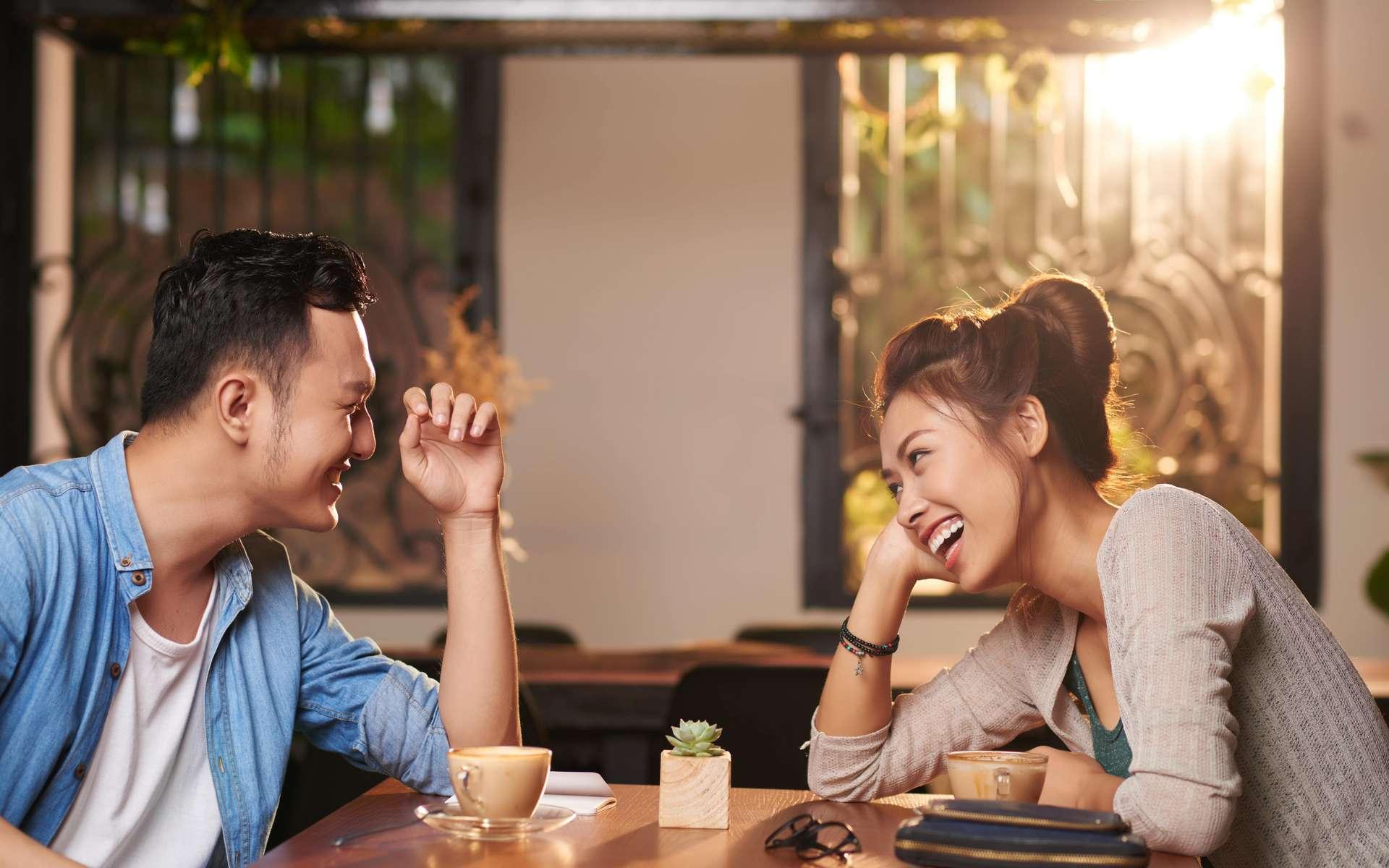 À l'issue d'un speed dating, les participants auraient une impression plutôt fiable de la personnalité des autres personnes. © DragonImages, Adobe Stock