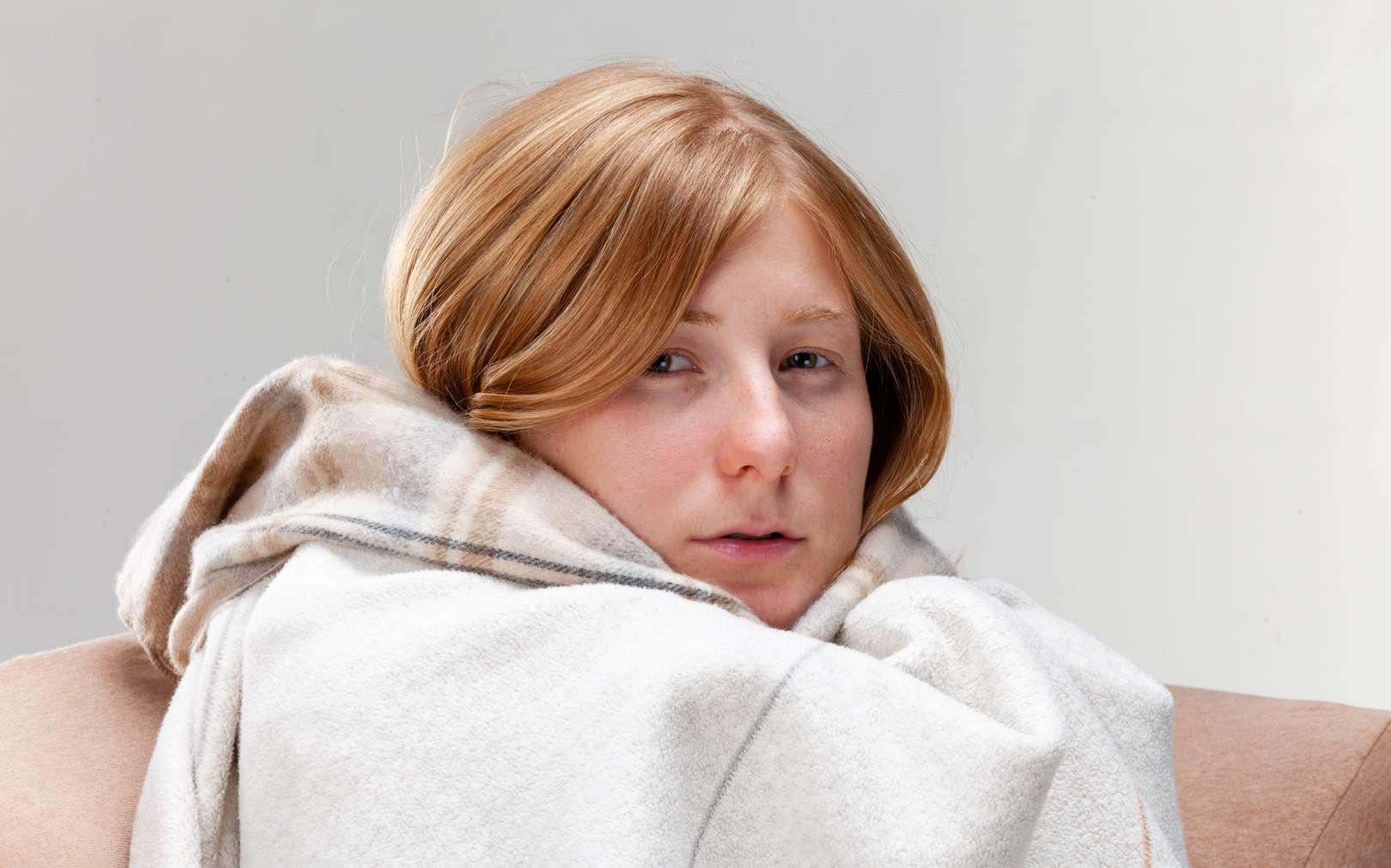 Le nez bouché, l'un des symptômes du rhume. © Margarita Borodina, Fotolia