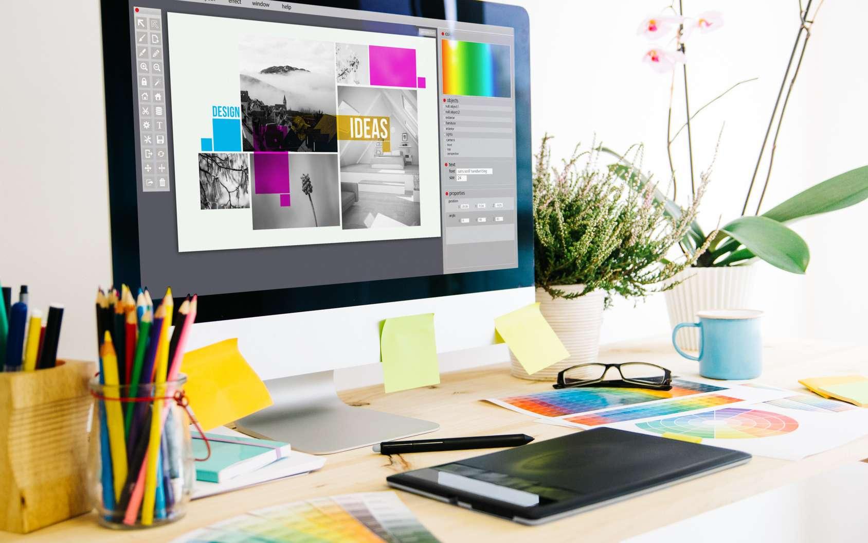 Choix des couleurs, de la mise en forme, de la police… Le graphiste web créé l'identité visuelle d'une marque via son site ou son application web. © georgejmclittle, Fotolia.