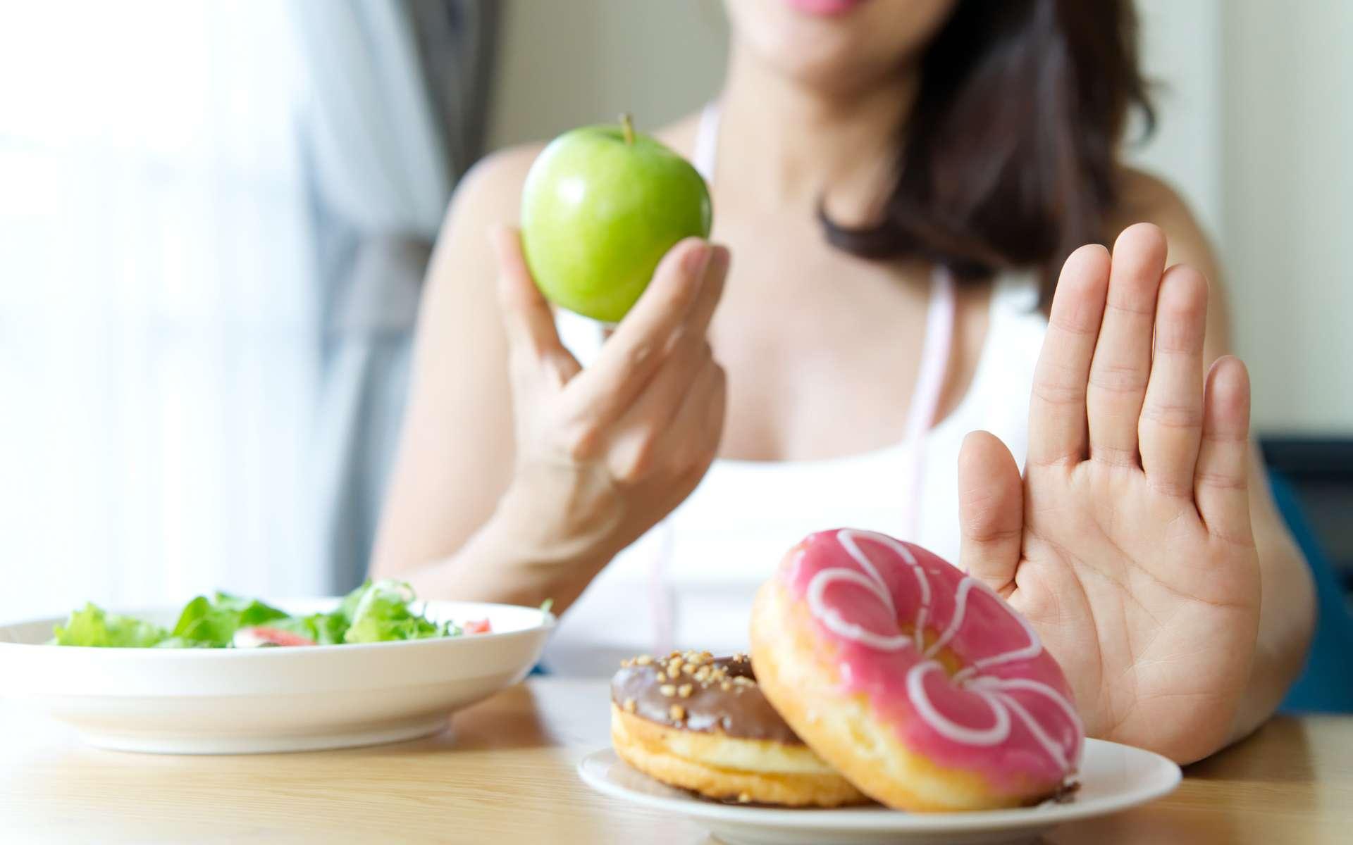La nutrition personnalisée peut aider les patients obèses mais aussi conduire à une obsession de manger sain. © Kawee, Adobe Stock