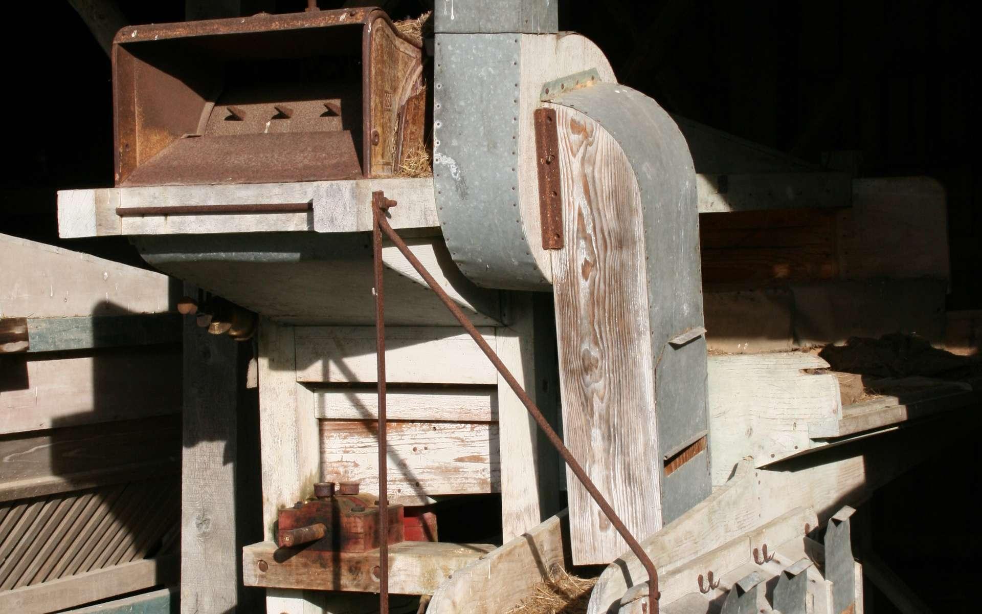 La batteuse d'Andrew Meikle révolutionne l'agriculture. La batteuse permet de séparer les grains de la paille. © Jean-Pol GRANDMONT, CC BY 3.0, Wikimedia Commons