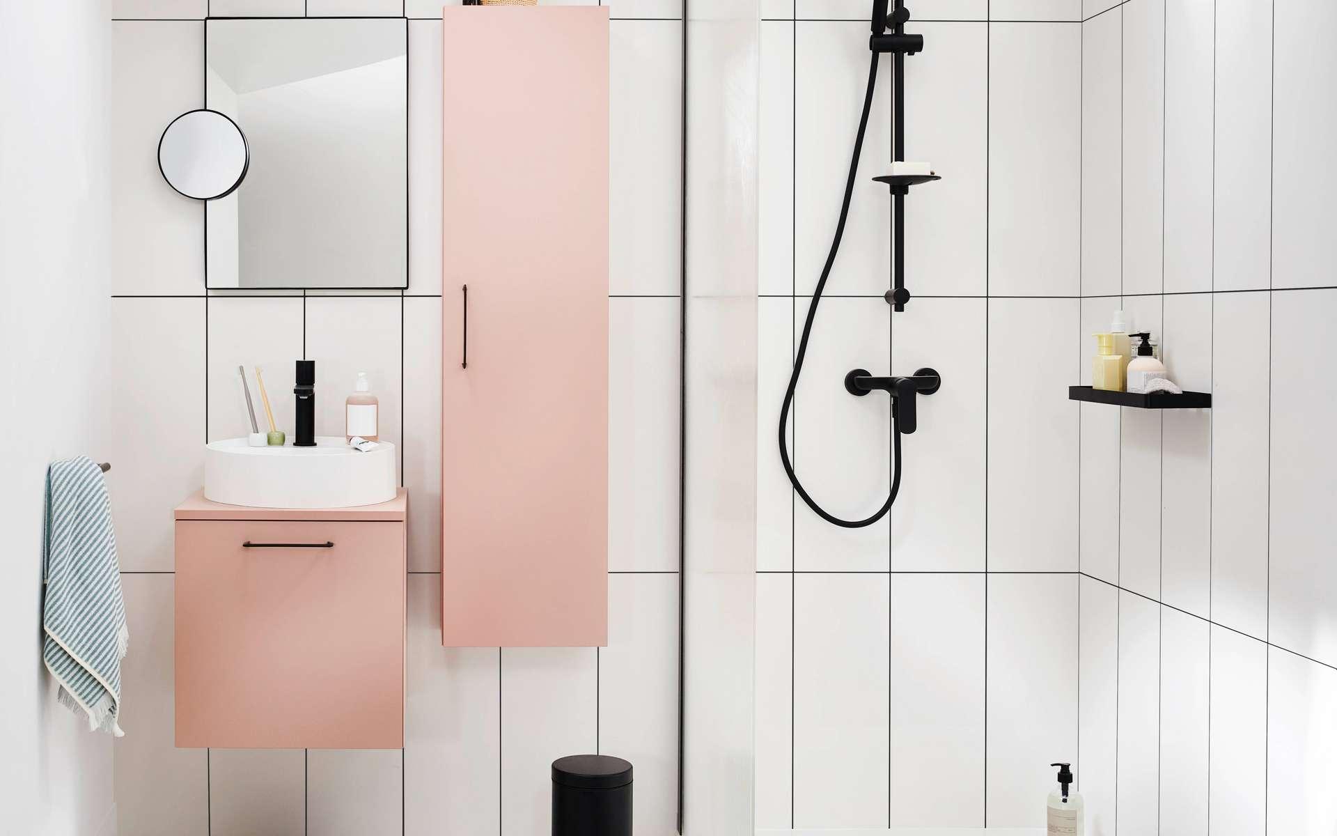 Épurée, minimaliste mais agréable et fonctionnelle, la salle de bains 2021 offre un espace de détente où il fait bon prendre soin de soi et ce quelle que soit sa surface. © Lapeyre