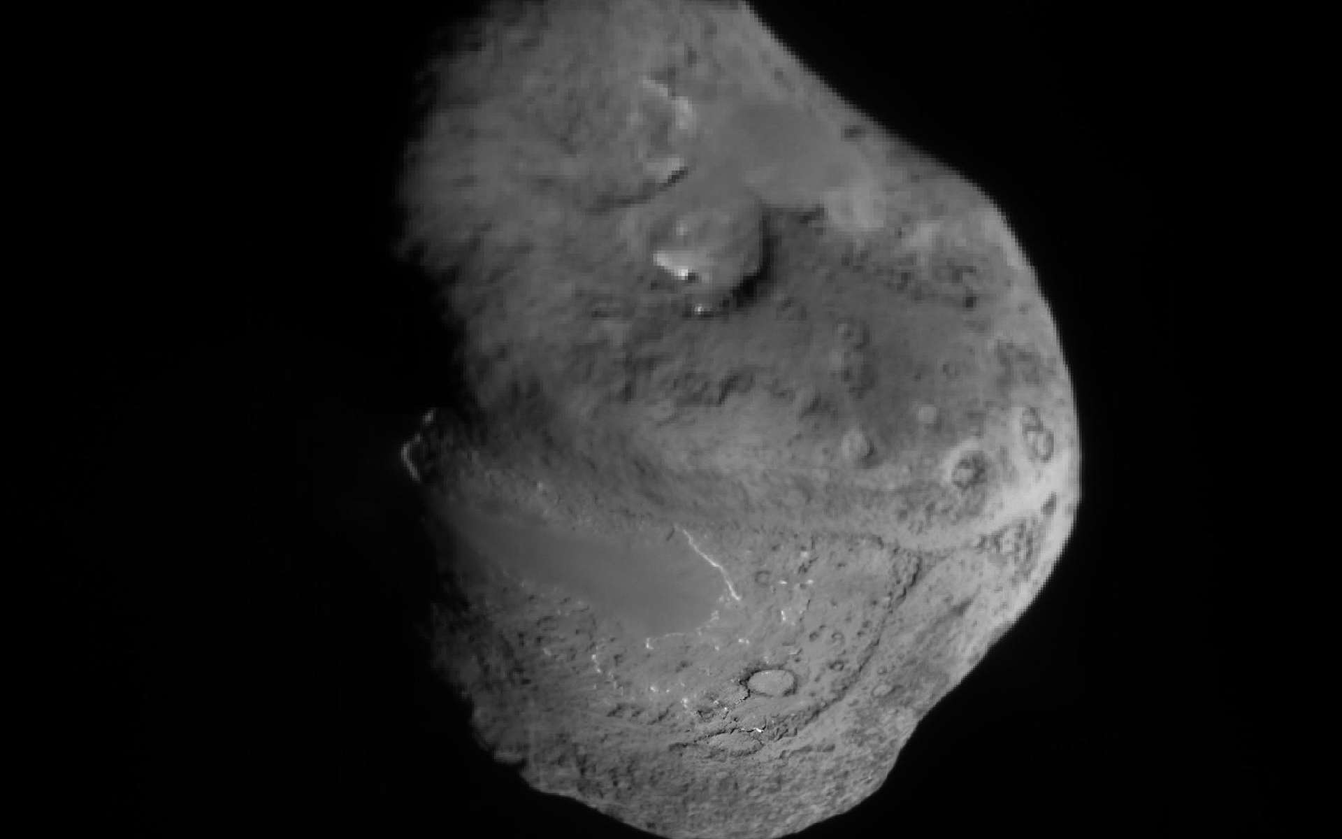 La comète Tempel 1 photographiée en 2005 par Deep Impact va recevoir sa deuxième visite. © Nasa/JPL/Caltech