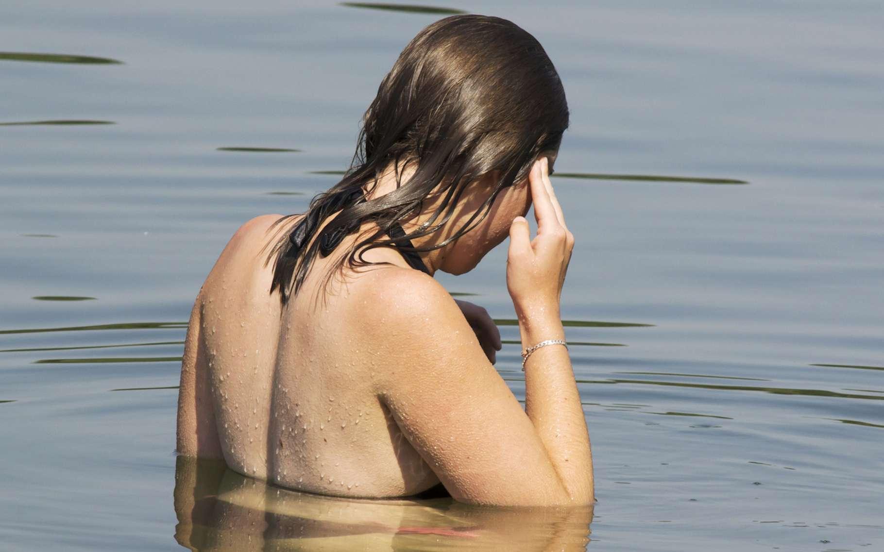 À l'heure de la baignade, les enfants et les personnes âgées risquent plus l'hydrocution (ou choc thermique). © brimeux, Fotolia