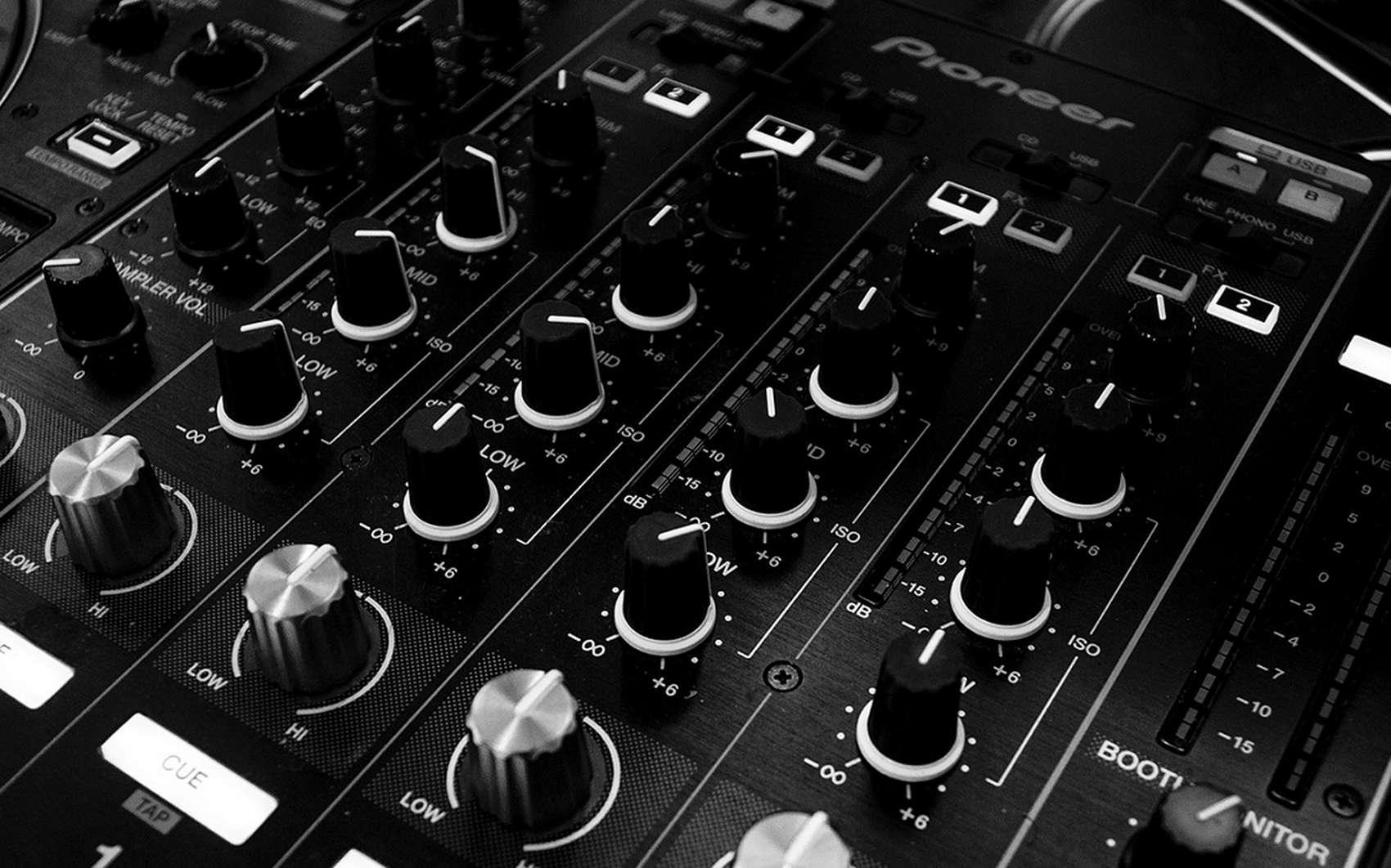 Les logiciels de conversion audio permettent de modifier facilement le format et la compression des fichiers musicaux. © Pixabay.com