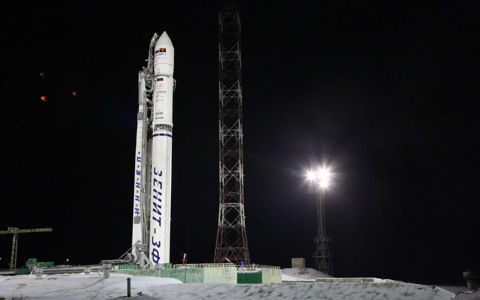 Lancé par la Russie, le premier satellite de l'Angola répond enfin. Ici, le lanceur ukrainien Zenit installé sur son pas de tir du cosmodrome de Baïkonour (Kazakhstan). © Roscosmos