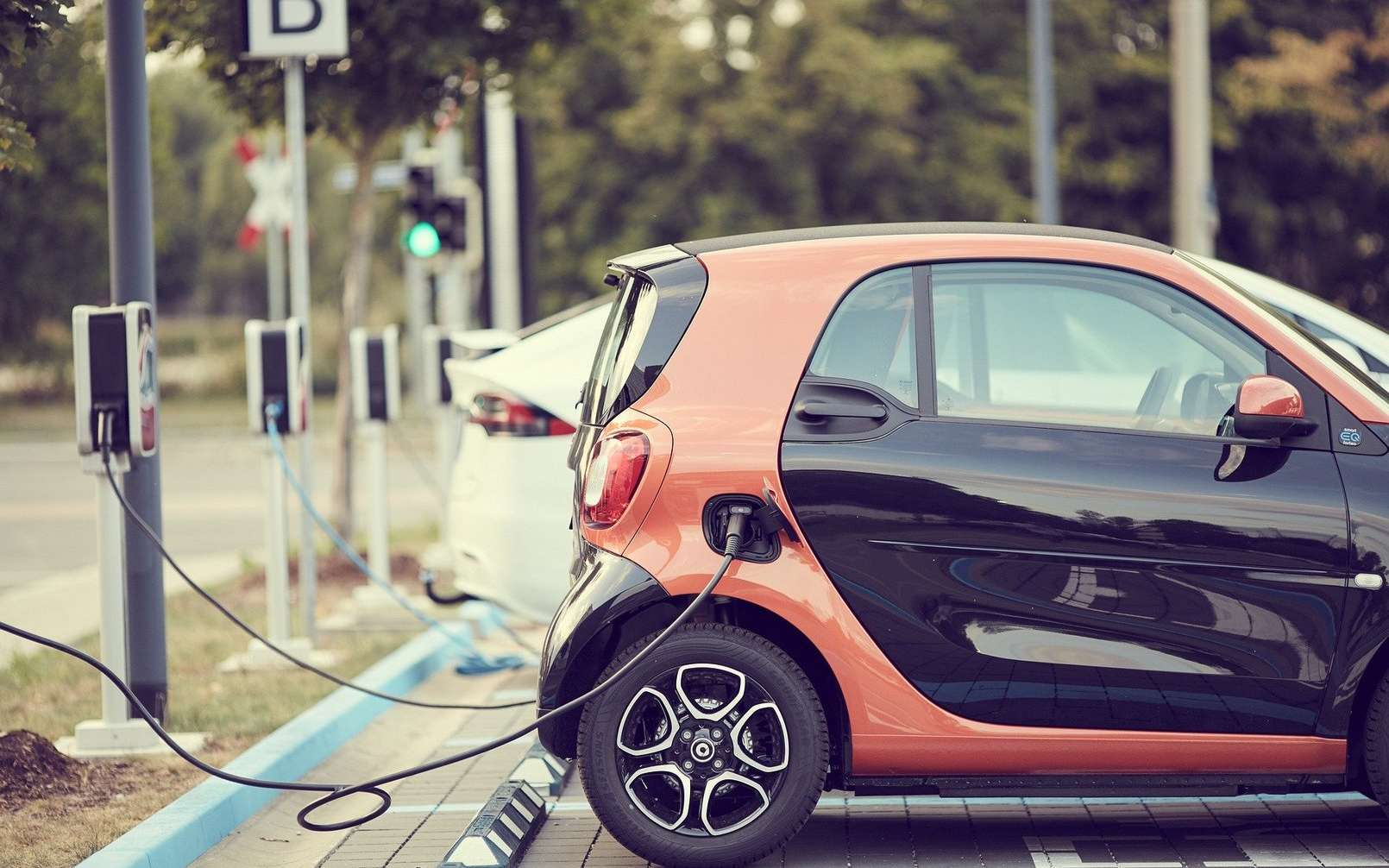 Le gouvernement accélère sur le réseau de recharge pour les voitures électriques. © Andreas160578/Pixabay