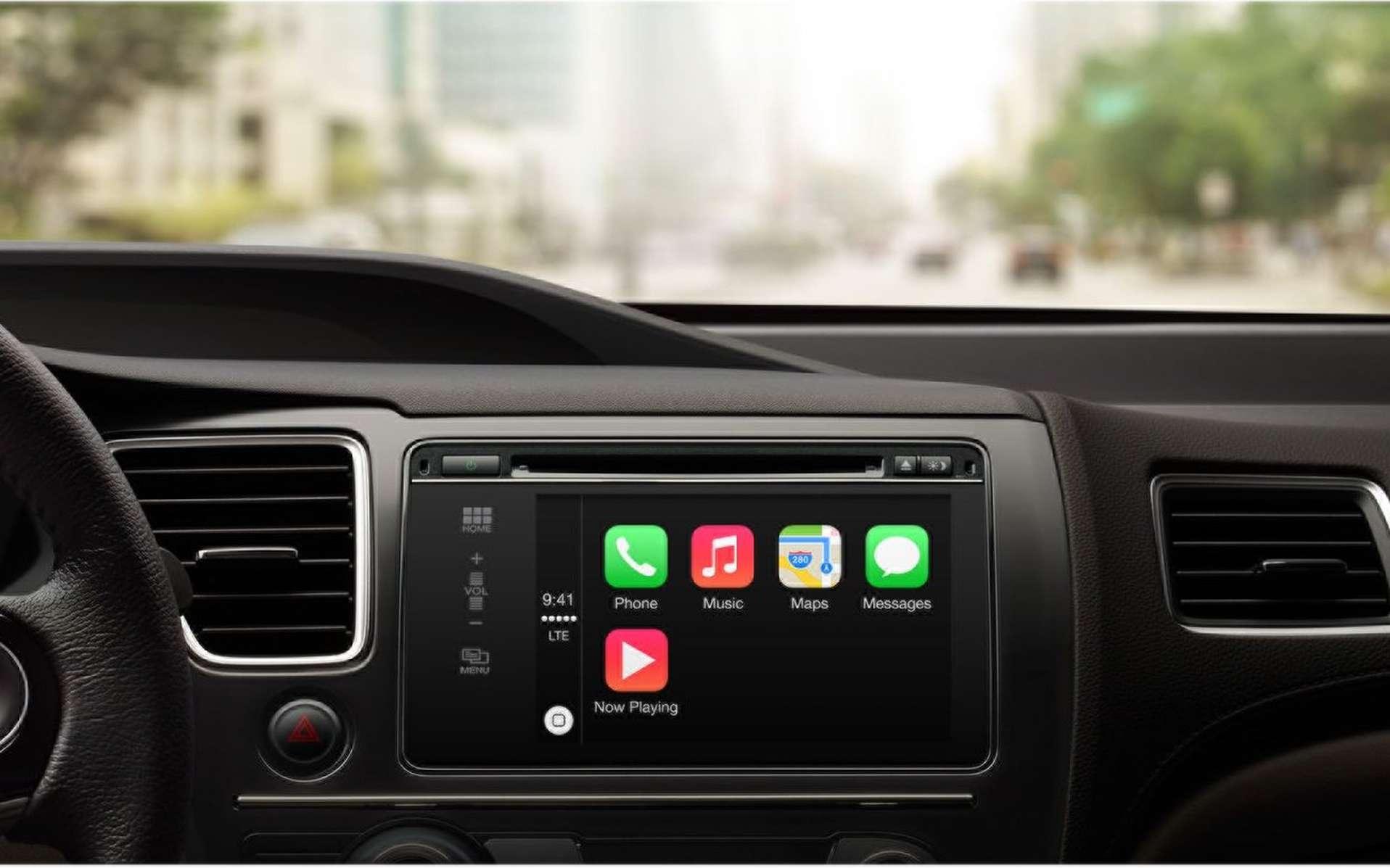 Honda devrait rapidement rejoindre le projet CarPlay à certains de ses modèles, permettant au conducteur de connecter son iPhone au tableau de bord de la voiture. © Apple