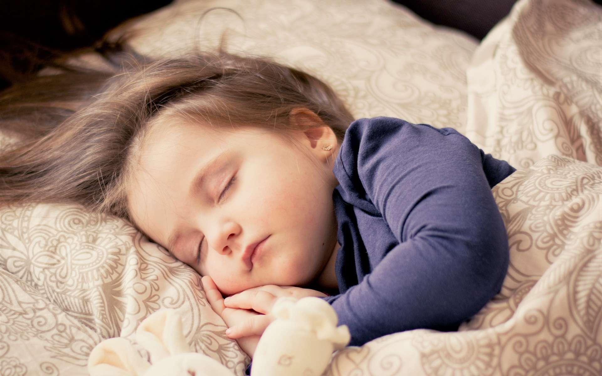 Des centaines de mini-éveils sont provoqués chaque nuit par la surexcitation de certains neurones. © dagon, Pixabay