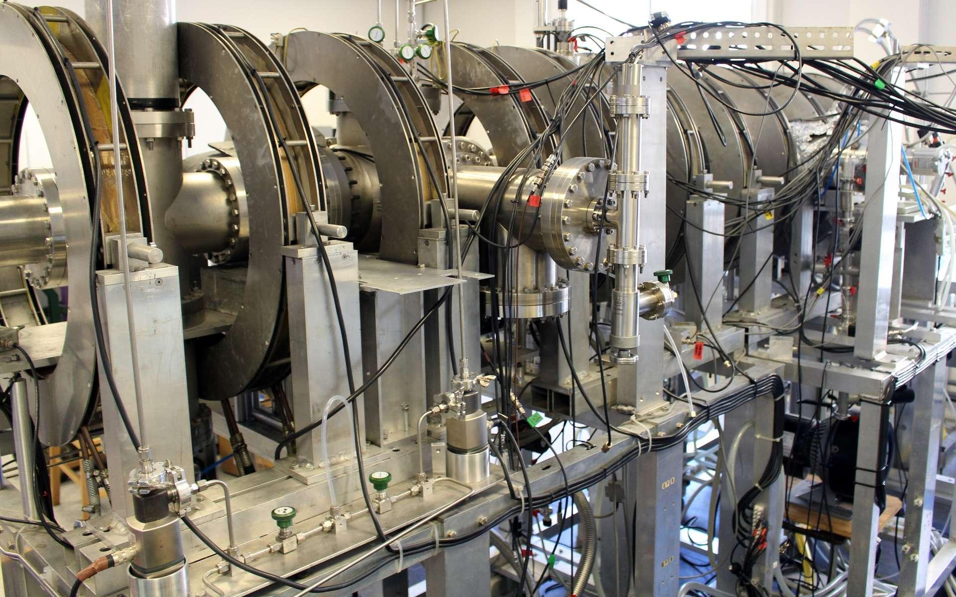 Une vue d'un dispositif servant à produire du positronium. © UCL Faculty of Mathematical & Physical Sciences, CC by-sa 2.0