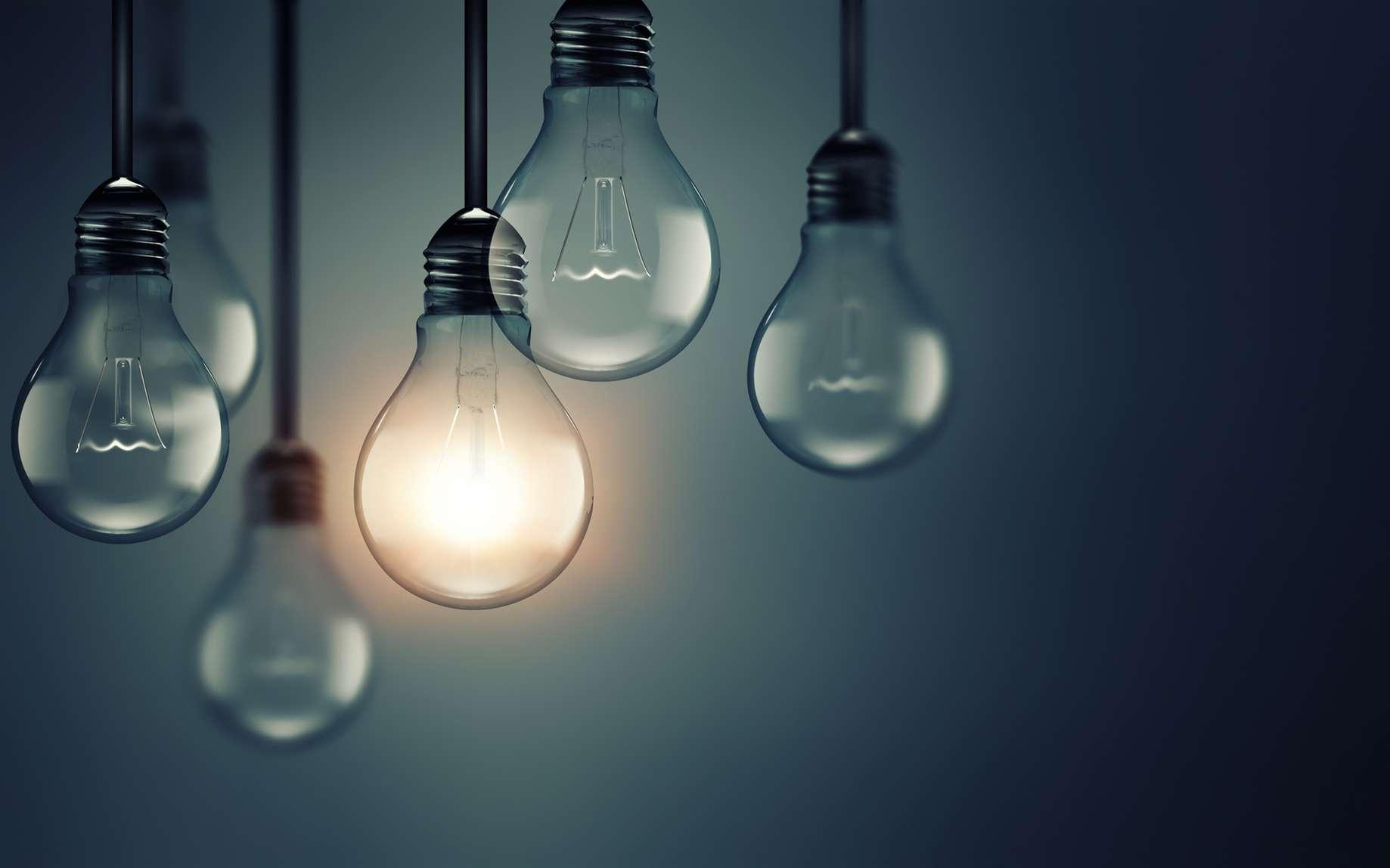Les ampoules à incandescence exploitent l'effet Joule. Chauffé à plus de 2.200 °C, le filament de tungstène qu'elles contiennent émet en effet un rayonnement. © Noé LECOCQ, Wikipédia, CC by-sa 2.5
