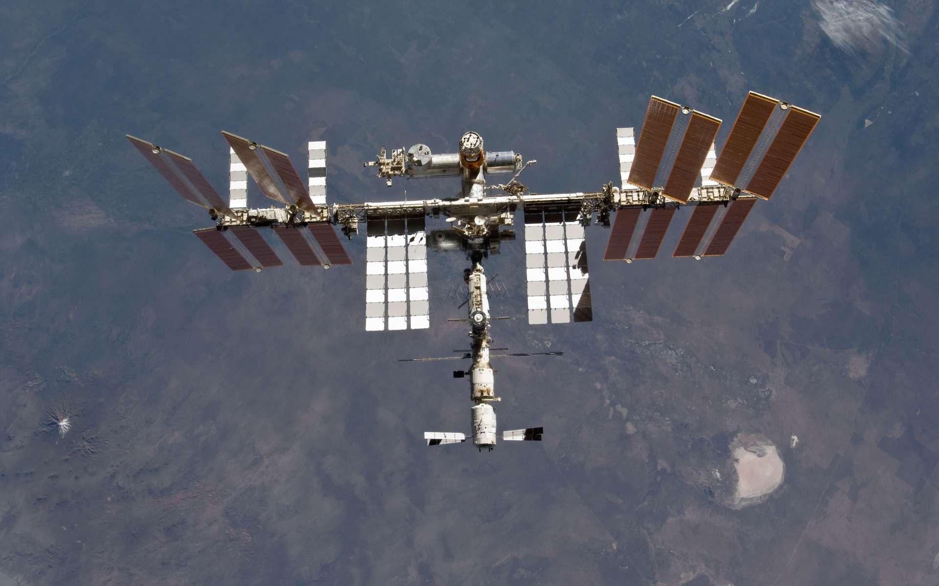 L'ISS accueillera durant l'été 2012 une expérience proposée par des jeunes. © Nasa
