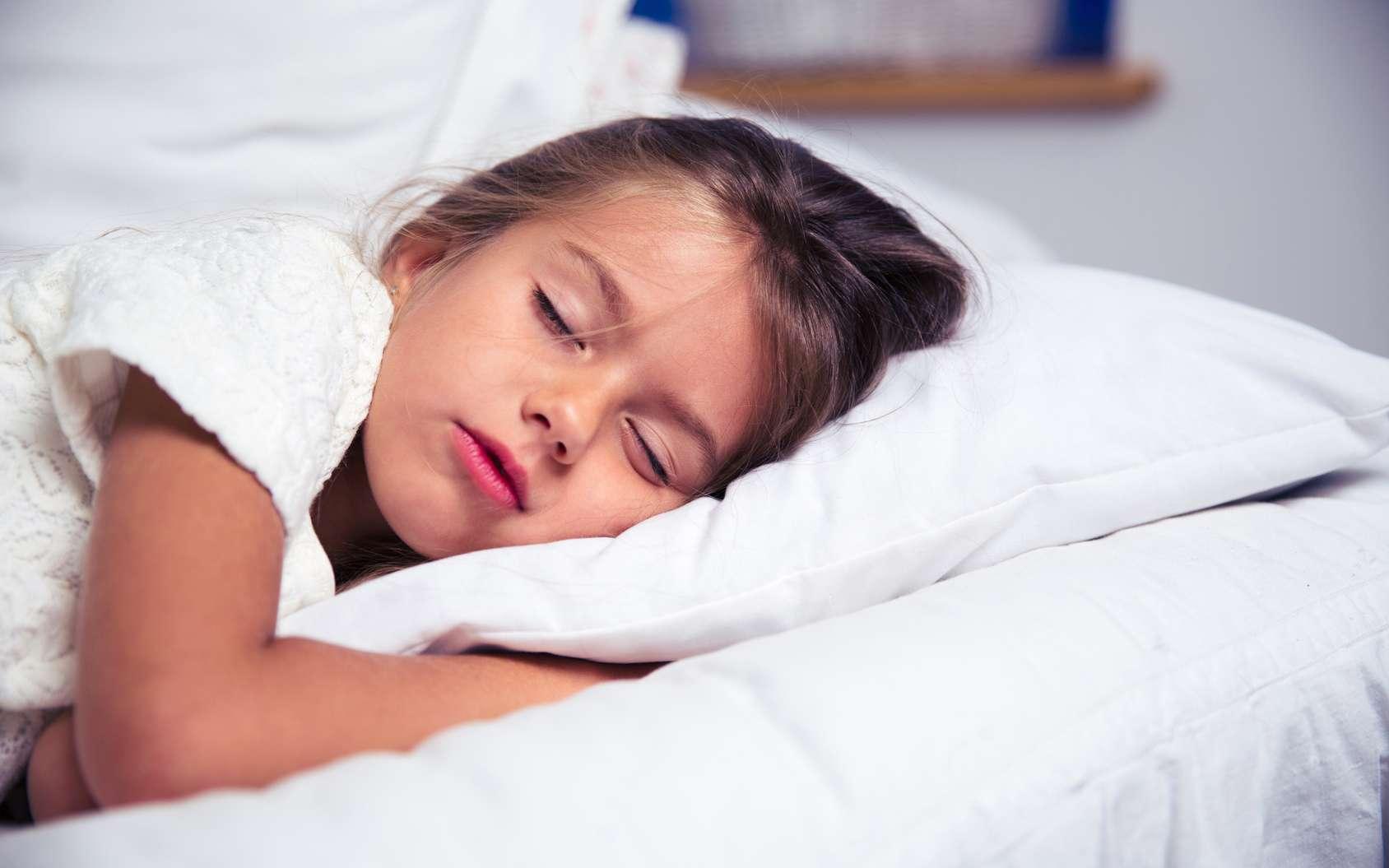 À quelle heure les enfants doivent-ils se coucher ? © Drobot Dean, fotolia
