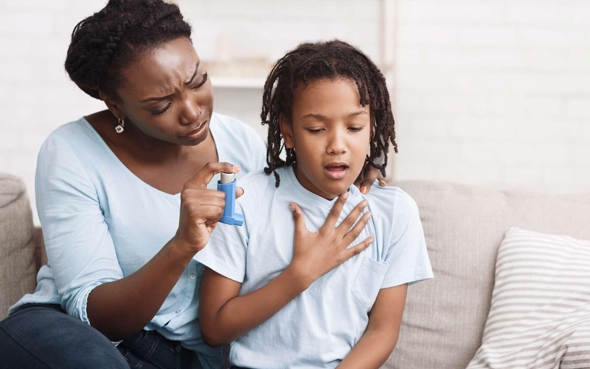 Il semblerait que l'asthme ne soit pas un facteur de risque de développer une forme grave de la Covid-19. © Prostock-studio, Adobe Stock