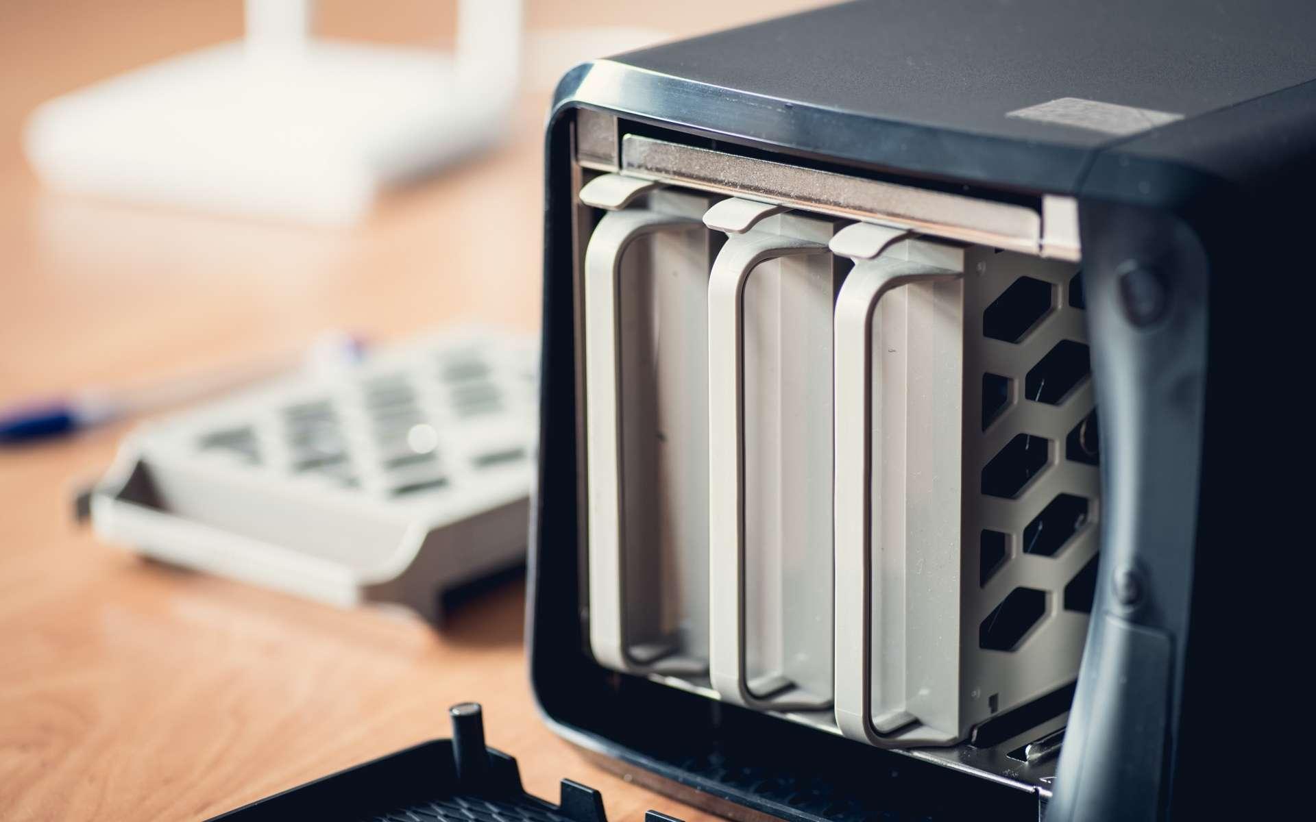 Le NAS est un serveur de stockage en réseau. © MuzzyCo, Adobe Stock