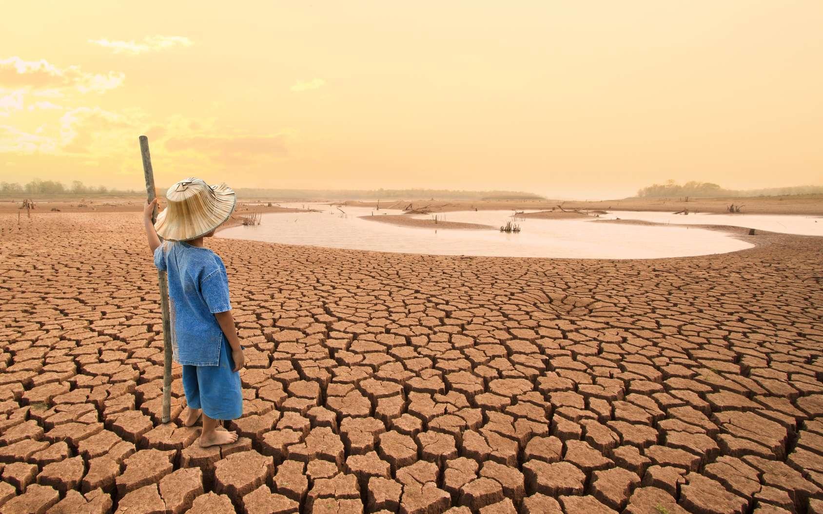 Parmi les missions du climatologue, anticiper les impacts du réchauffement climatique et de ses conséquences sur l'Homme et la nature. © piyaset, Fotolia.