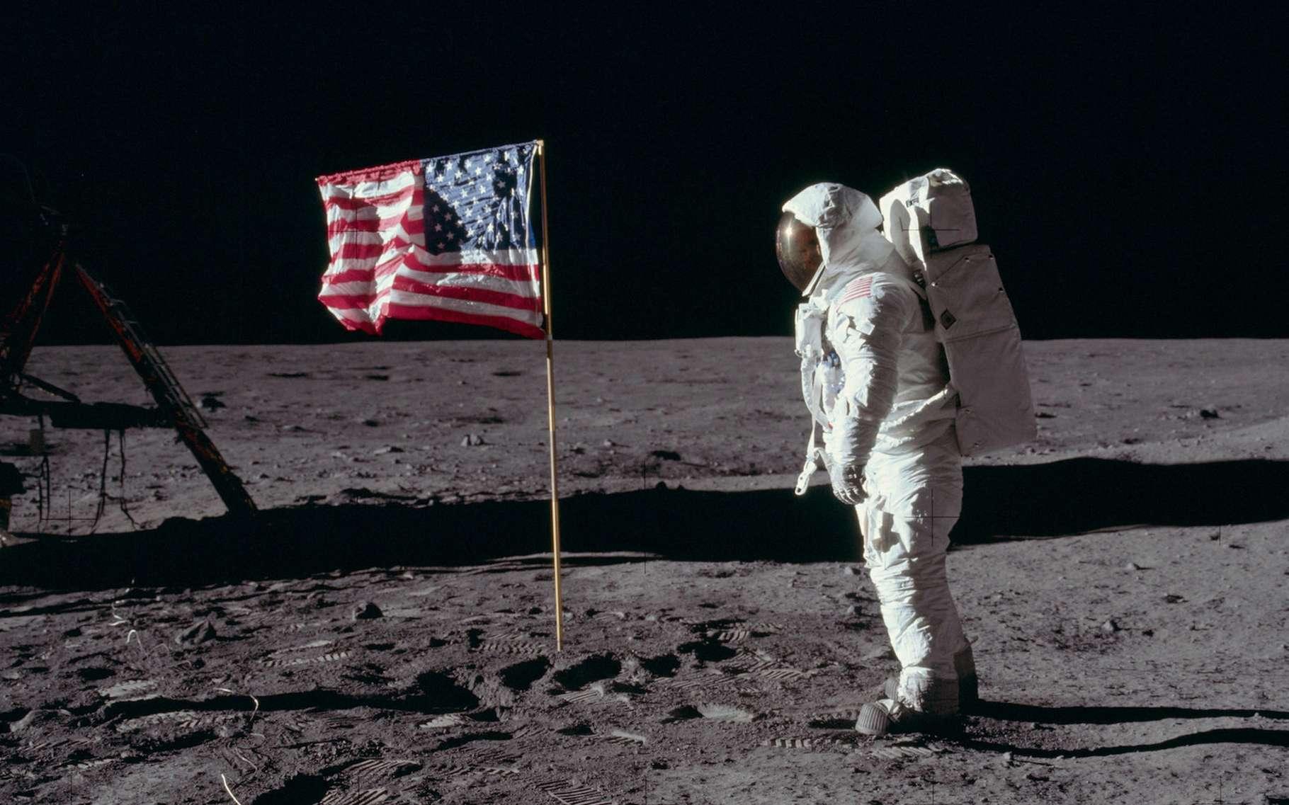 L'Homme a-t-il réellement posé le pied sur la Lune en 1969 ? Face aux « nombreuses incohérences » soulevées par certains, les preuves scientifiques peinent à convaincre. © Project Apollo Archive, Flickr, Domaine public