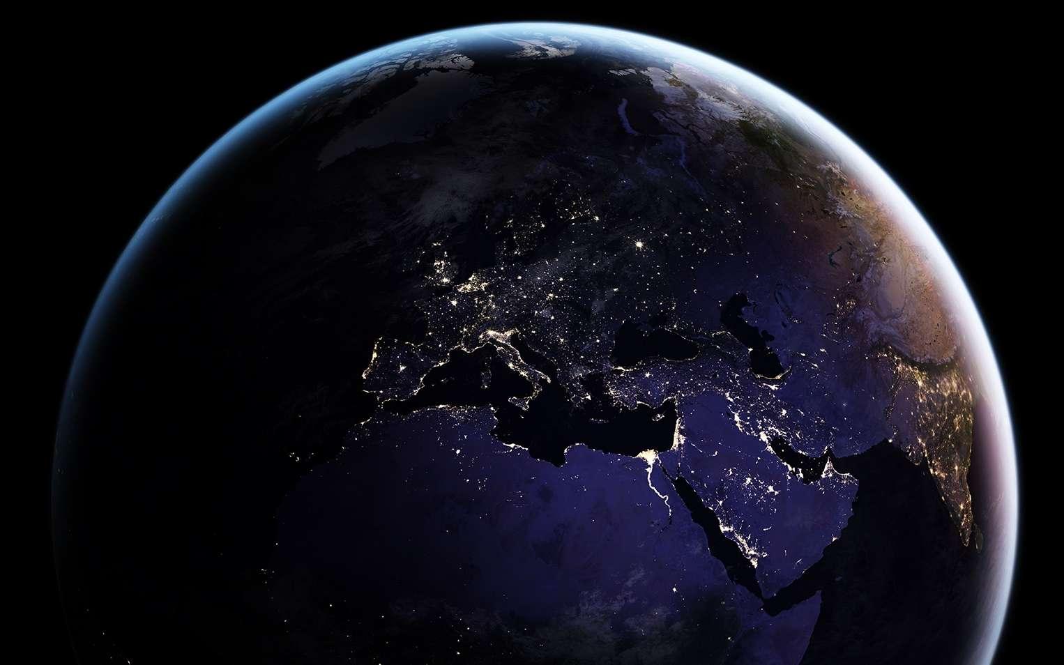 L'hémisphère nord possède une surface de 255 millions de km². Près de 100 millions de km² sont occupés par des terres émergées. © Nasa