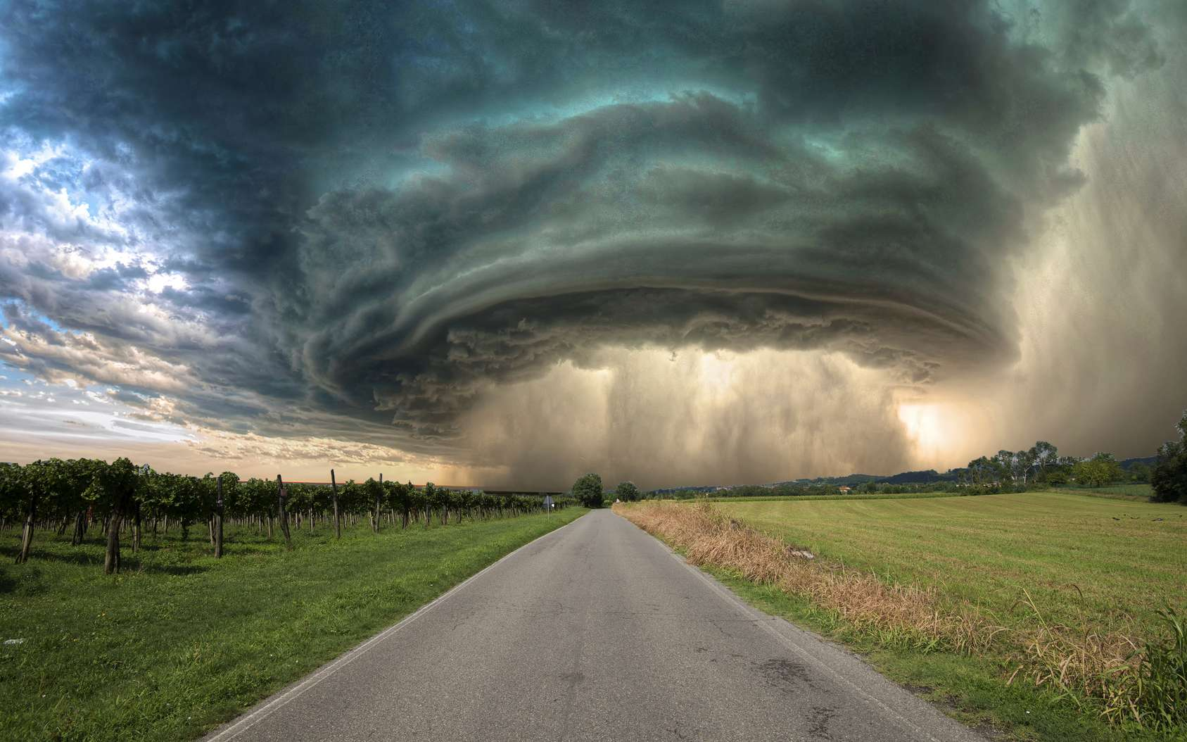 Comment se forme une tornade ? © alcatrax1981, fotolia