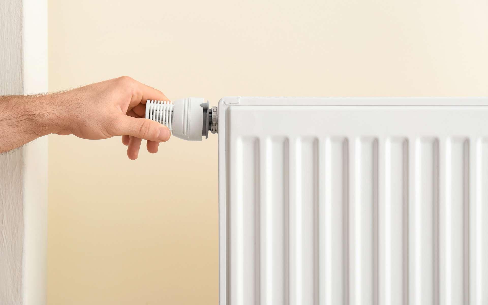 Installation de radiateur électrique © New Africa, AdobeStock