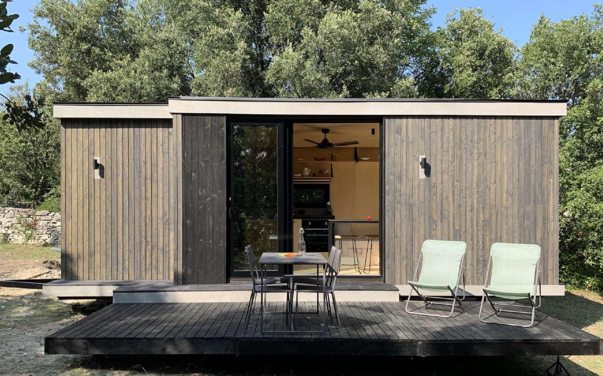 Habitat léger, une Tiny House permet de profiter d'un petit studio ou d'un bureau dans le jardin. Parfaitement isolé, cette micromaison est équipée comme une grande. ©Kab'inn
