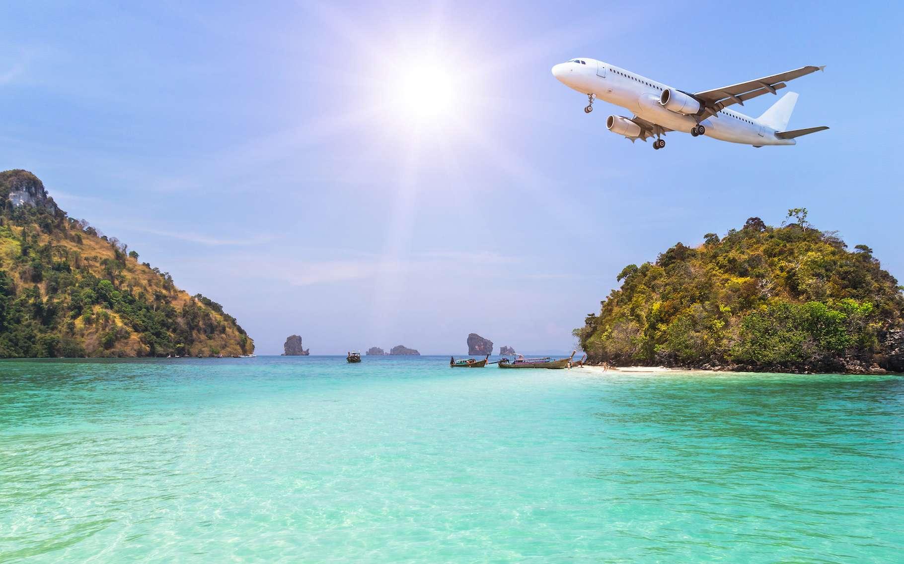 Peu à peu, les restrictions de déplacement tombent. Et il est aujourd'hui de nouveau possible de voyager. Y compris en avion et à l'étranger. Sous certaines conditions tout de même et en prenant toujours quelques précautions. © Soonthom, Adobe Stock