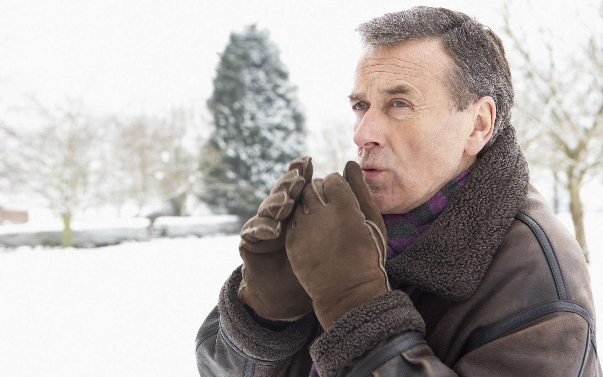 Le claquement de dents est une réponse de notre corps pour lutter contre le froid. © Phovoir