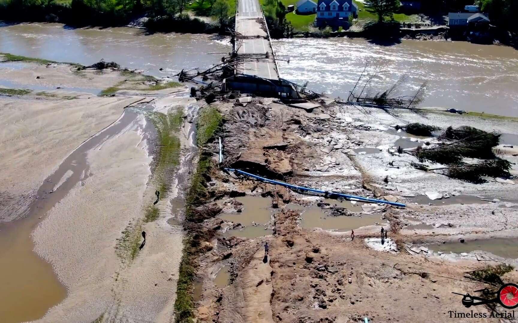Survol au drone de la région de Midland suite aux ruptures de deux barrages © Timeless Aerial Photography LLC, YouTube