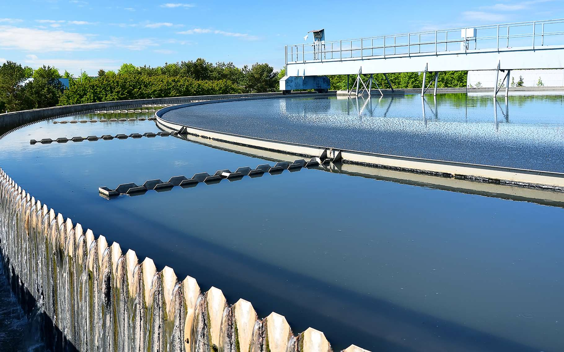 Découvrez le circuit de l'eau, depuis son captage jusqu'à son retraitement. © Dmitri Ma, Shutterstock