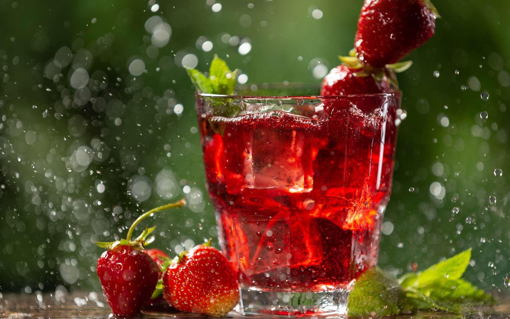 La consommation de boissons sucrées à raison de l'équivalent d'un petit verre par jour est associé à un risque accru de cancer. © aneduard, Fotolia