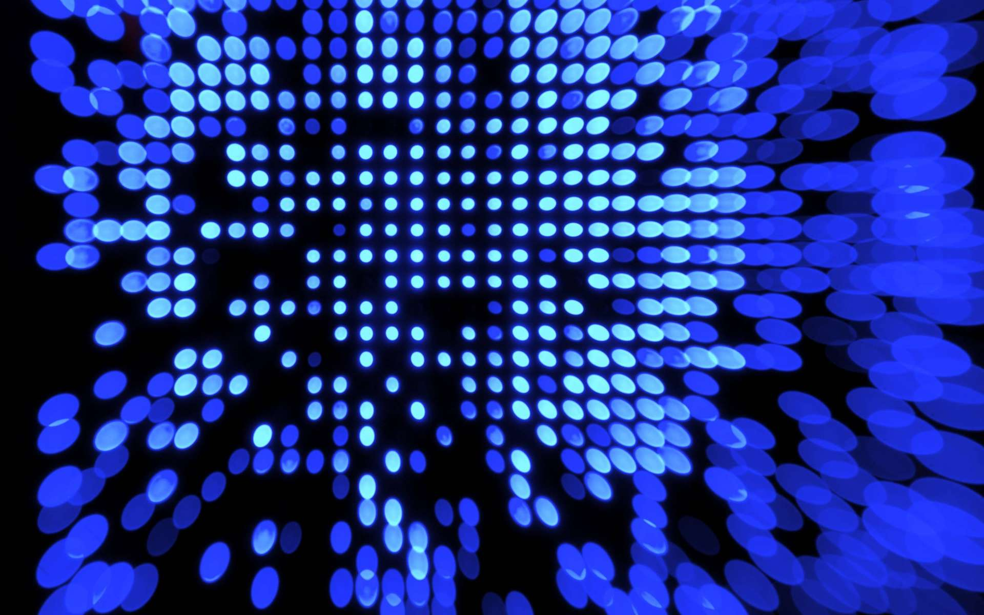 Dans cette recherche, la lumière bleue active des molécules photosensibles qui empêchent la formation des plaques amyloïdes. © Brian Talbot, Flickr, CC by-nc 2.0